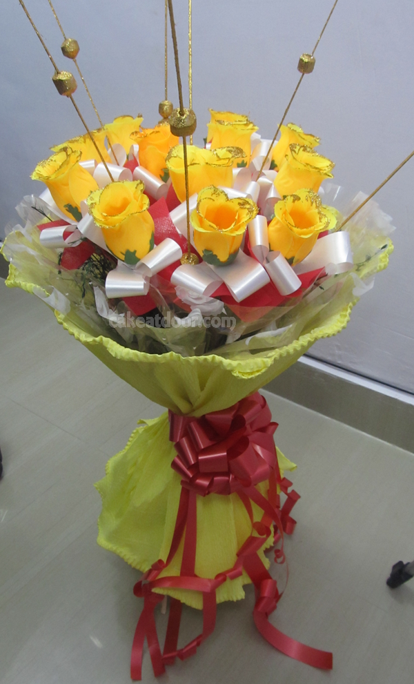10 Artificial Flower Designer Bouquet - F003