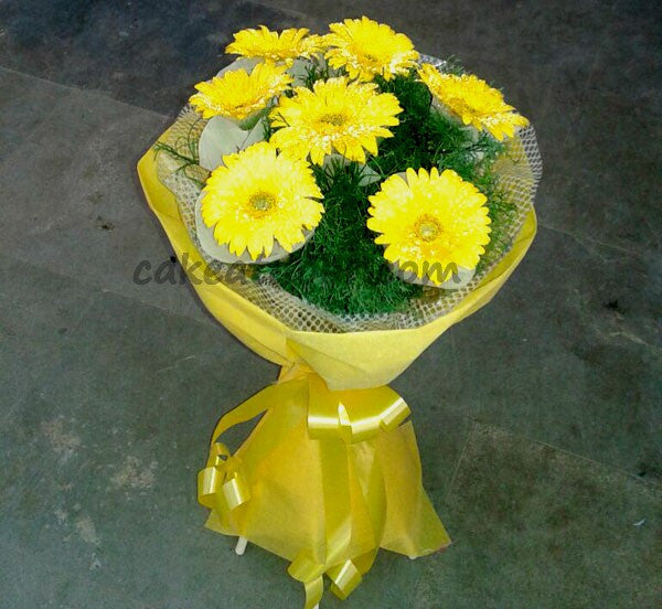 7 Yellow Gerbera Flowers Designer Boquet - F009