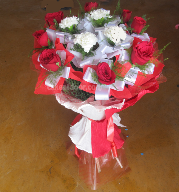12 Flower Designer Bouquet - F004
