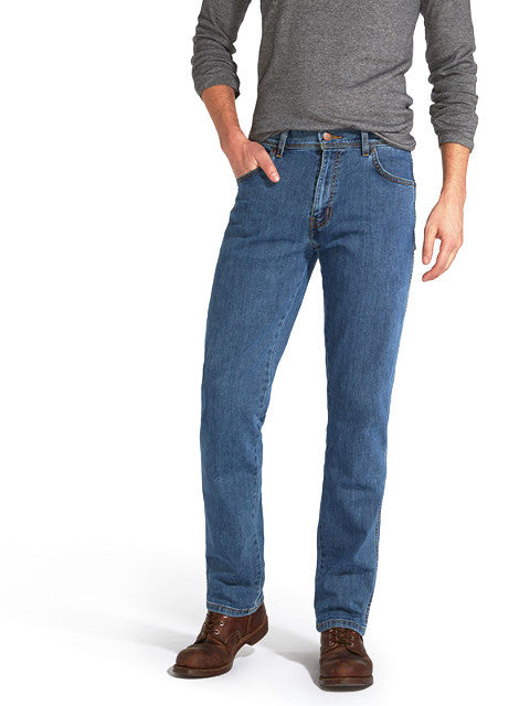 Wrangler® TEXAS STRETCH Regular Fit Jean/Stonewash - CORE AW19