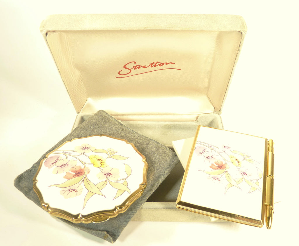 Giveaway To Win An Unused Vintage Stratton Compact & Notebook
