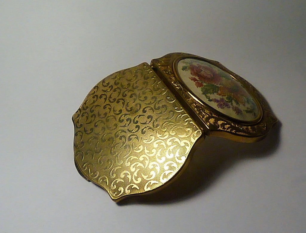 1950s powder compacts