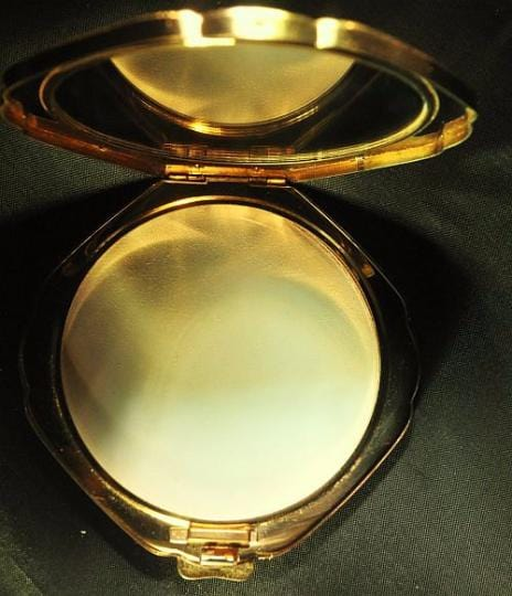 Rare Stratton compacts Diamond - Shaped Glamorizer rare compact mirrors collector's piece - The Vintage Compact Shop