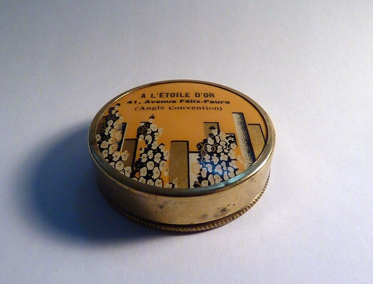 A L'ETOILE D'OR French celluloid powder compact
