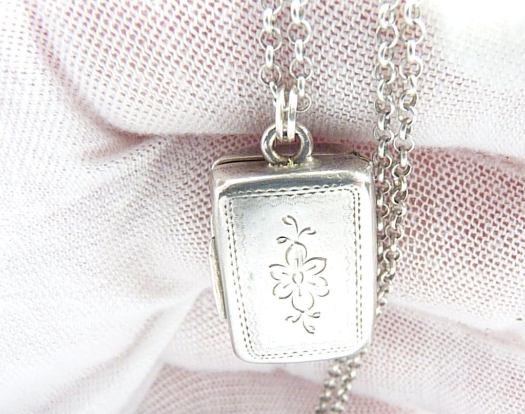 Antique Silver Pendant Vinaigrette
