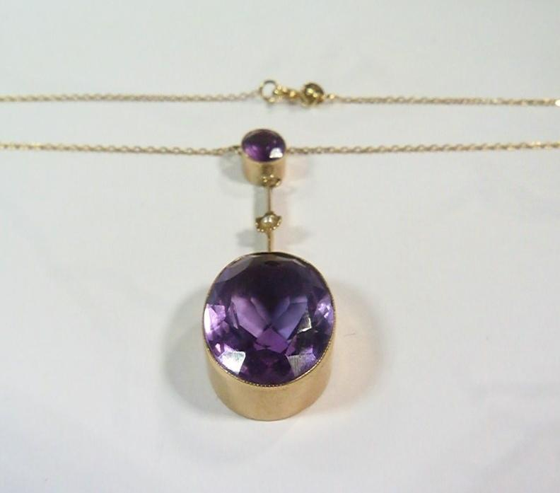 9ct Yellow Gold 8.9Ct Amethyst and Pearl Pendant 1932