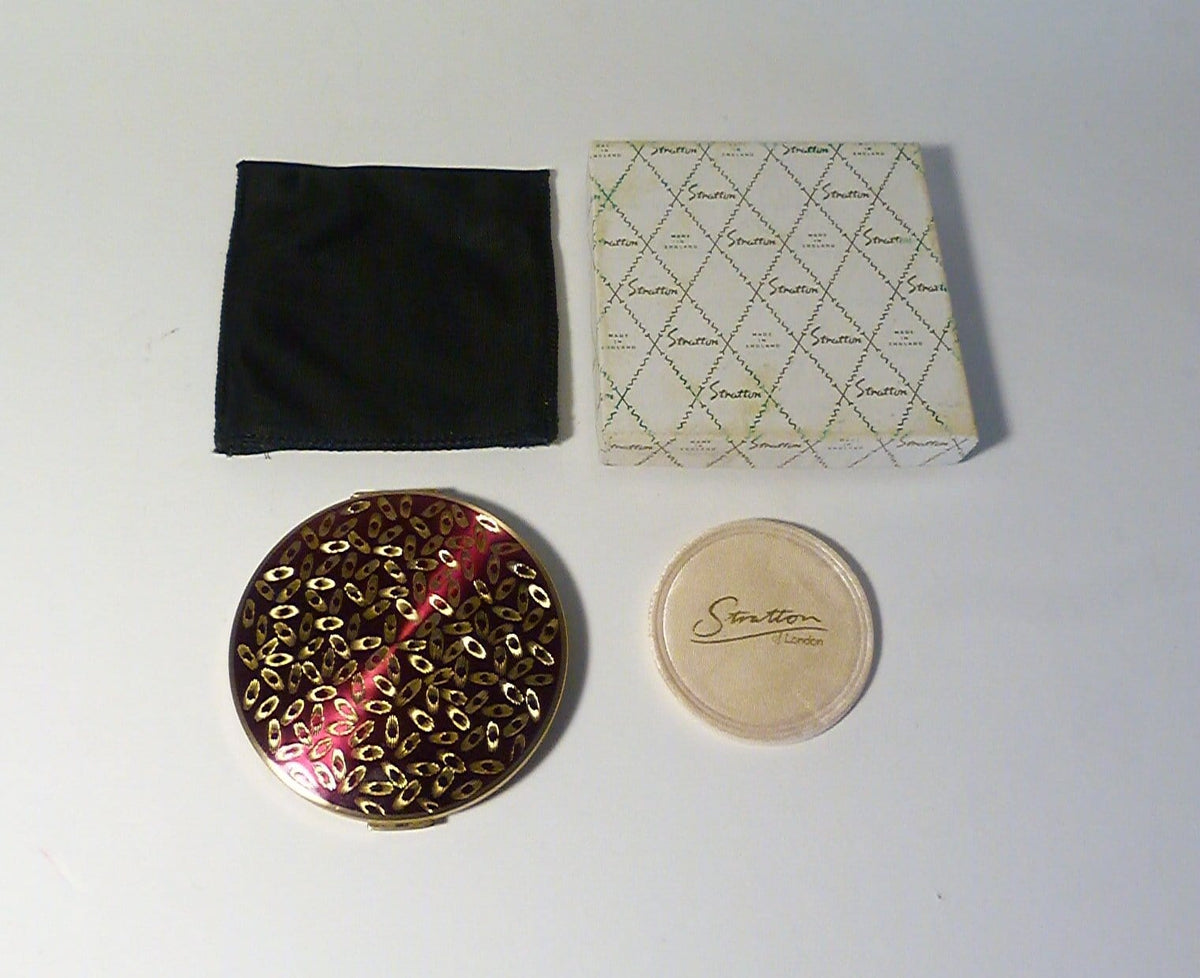 Boxed vintage Stratton compact