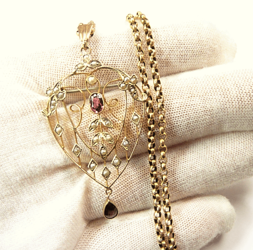 Edwardian Gold Belcher Chain And Pendant