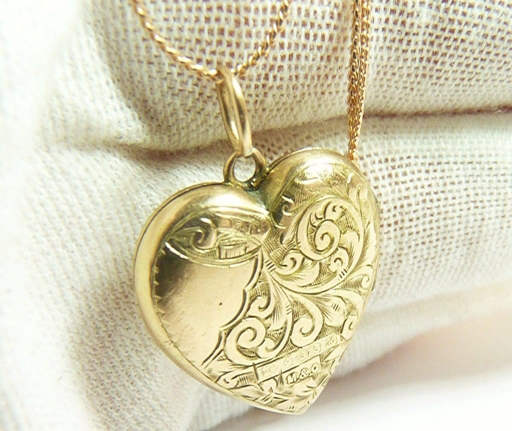 Edwardian 9ct Gold Locket