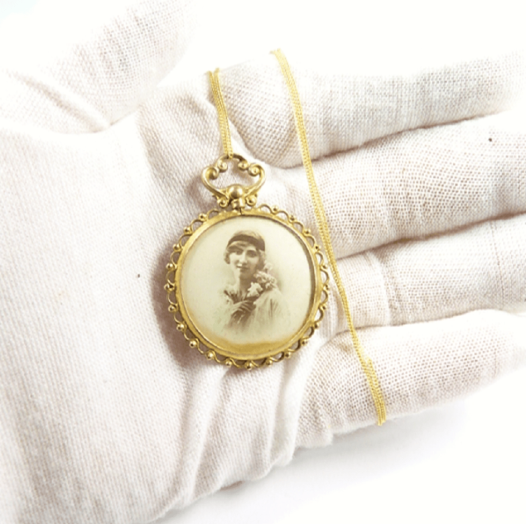 Antique Hallmarked Gold Photo Locket
