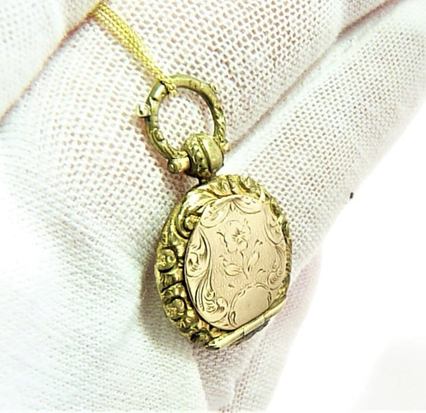Georgian Pinchbeck Locket With 20 Inch Necklace