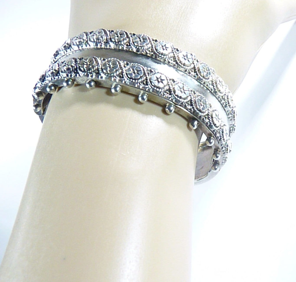 Late Victorian Fully Hallmarked Sterling Silver Cuff Bracelet