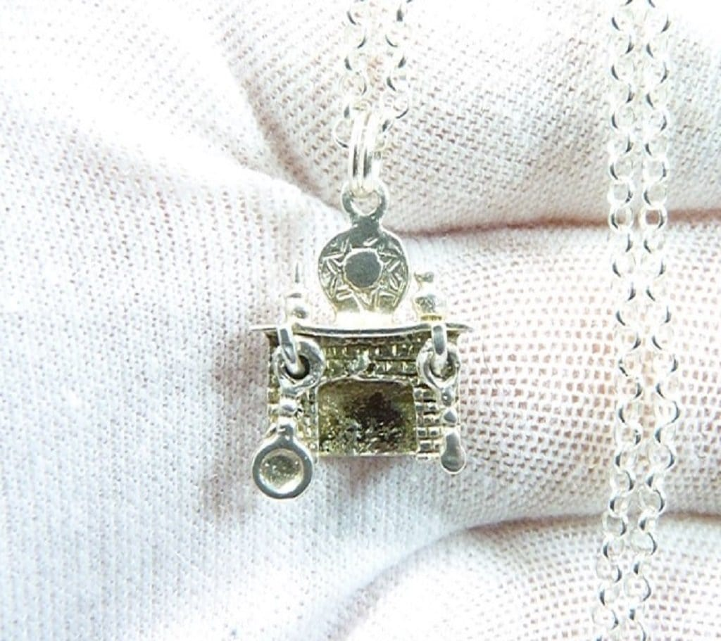 Old Fashioned Log Fire Pendant With Silver Necklace