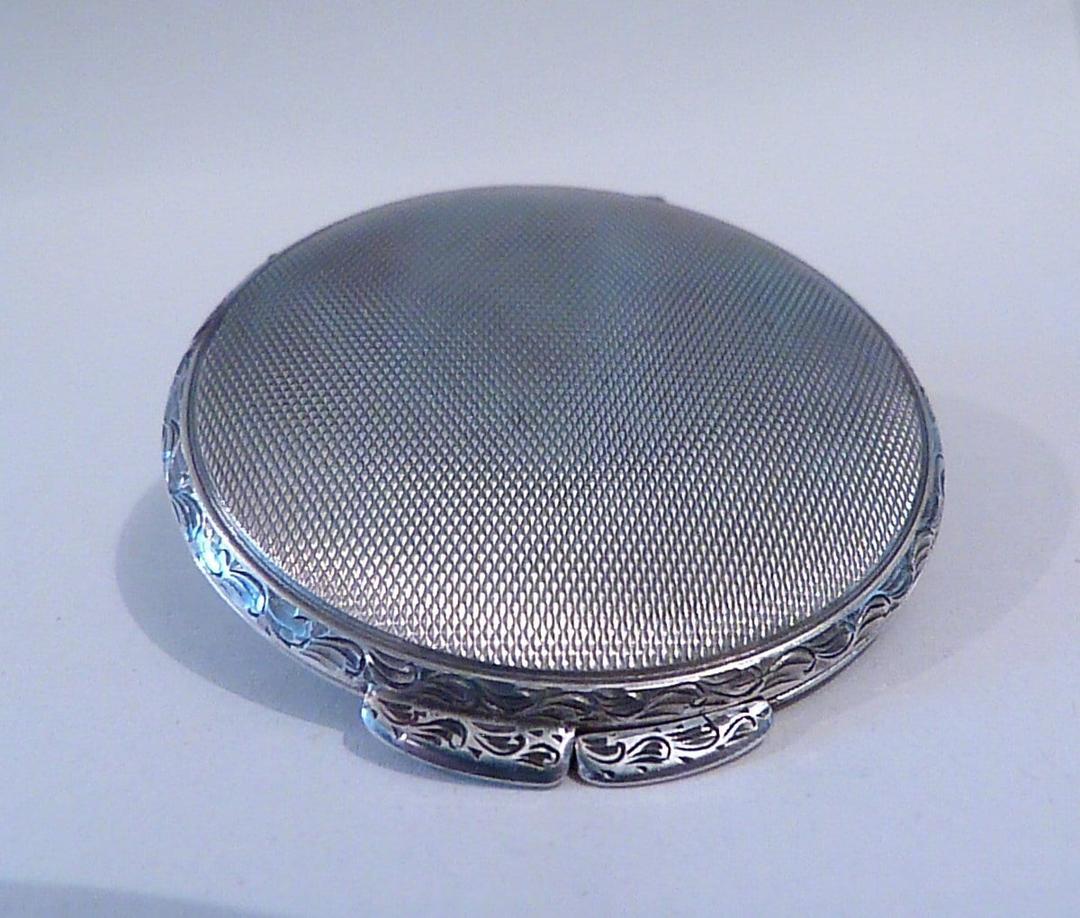 Antique silver gifts for her solid silver compact mirrors for sale powder mirror compacts 1930s vanities rare - The Vintage Compact Shop