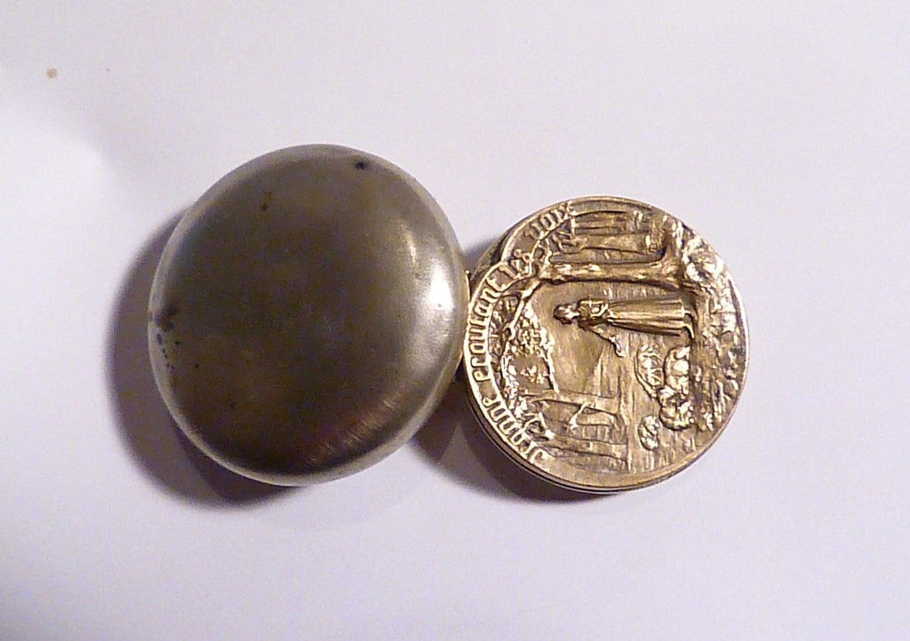 Rare compact mirrors antique ARMAND BARGAS medallion compact Joan of Arc Jeanne d'Arc - The Vintage Compact Shop