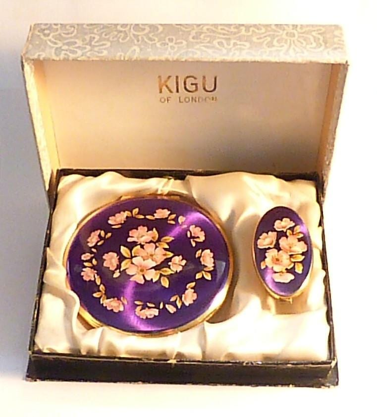 Vintage boxed Kigu compact set vanity set unused compact mirrors for sale - The Vintage Compact Shop
