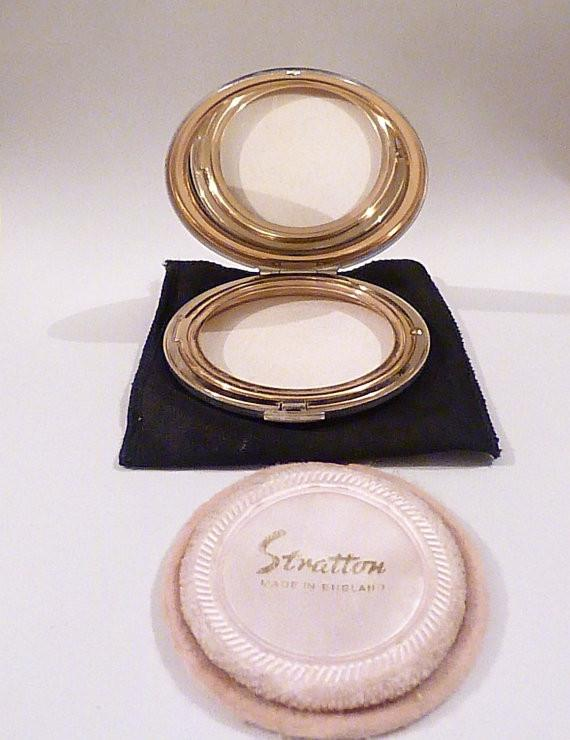 Silver wedding gifts silver plated vintage Stratton powder compact - The Vintage Compact Shop