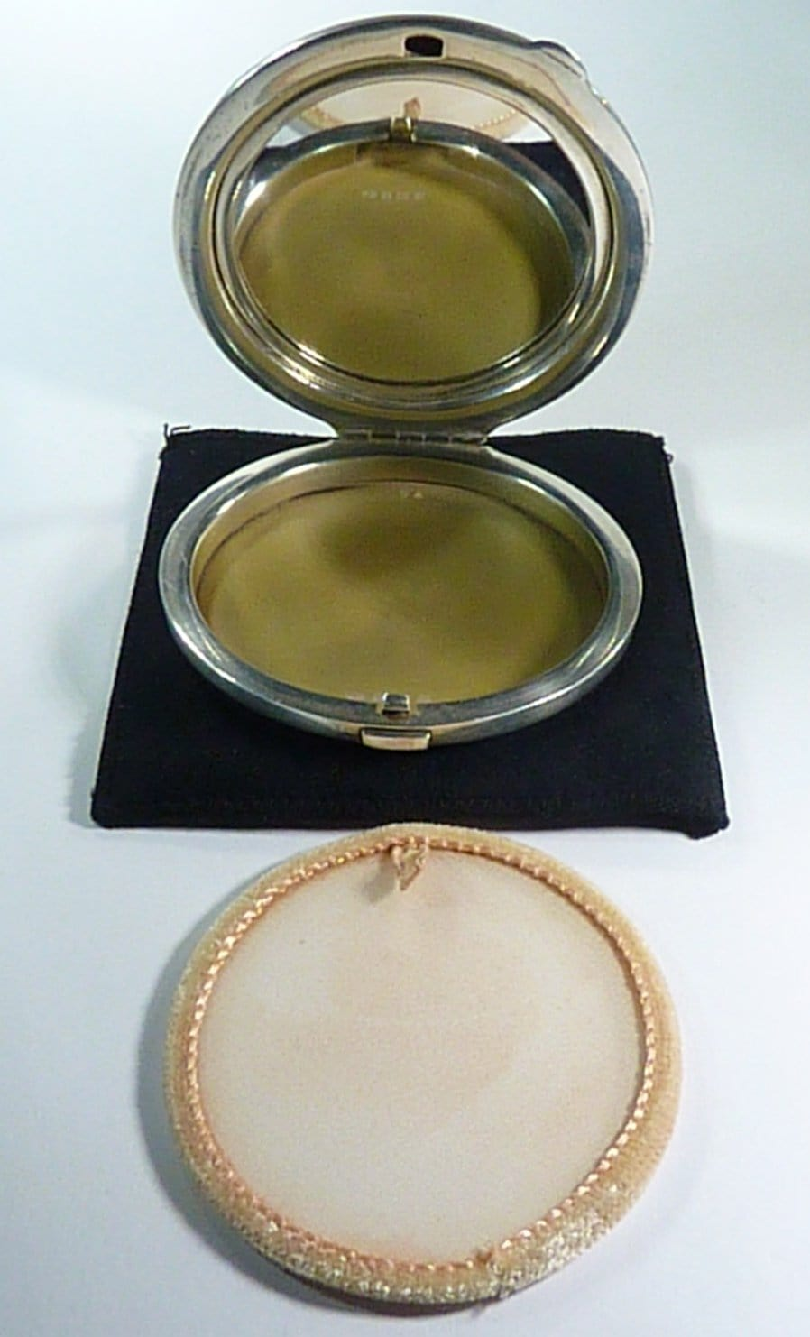 Silver Compact Case With Mirror