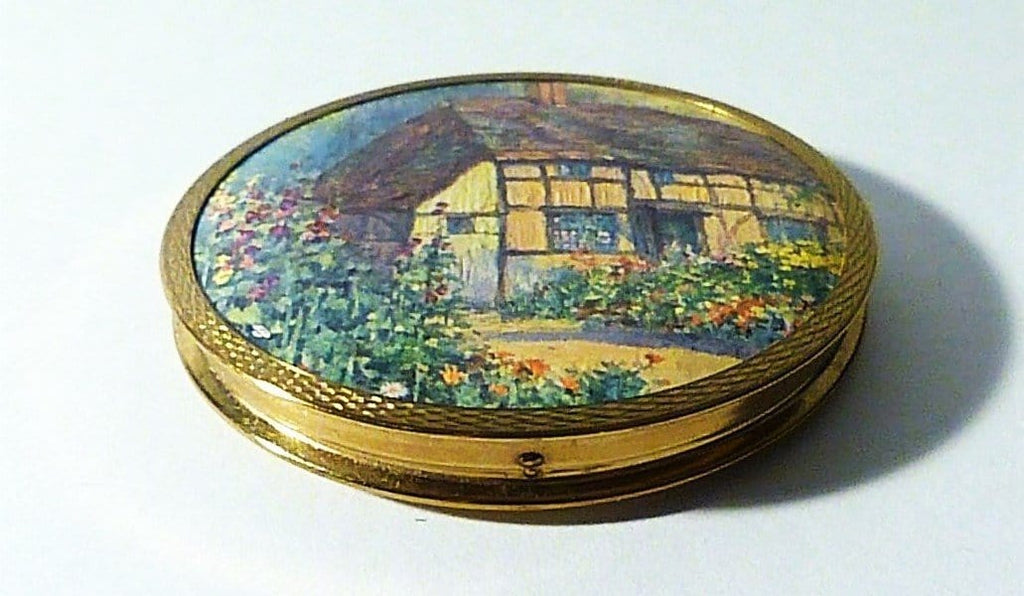 Vintage Compact With English Cottage And Cottage Garden On Lid
