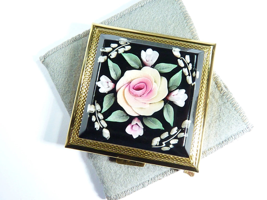 Vintage Powder Compact With Perspex Flowers 1960s