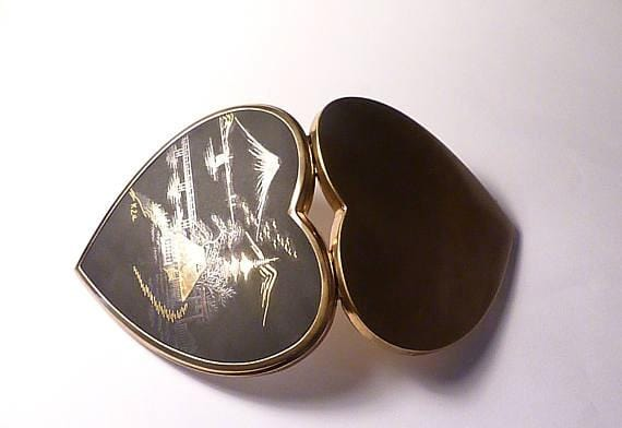 Romantic gifts for her heart shaped gifts vintage powder compacts 1950s