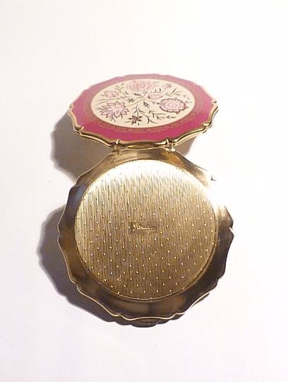 GIFTS FOR HER / girlfriends  GIFTS FOR HER / girlfriends / wives / mothers /sisters Stratton compact mirror powder mirror compacts vintage 'Queen Convertible' compact 1970s - The Vintage Compact Shop