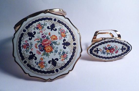 Unused enamel boxed Stratton lipstick holder and compact 1970s vintage compacts for sale - The Vintage Compact Shop