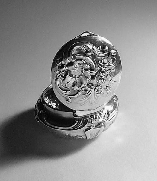 Antique silver wedding gifts for wives