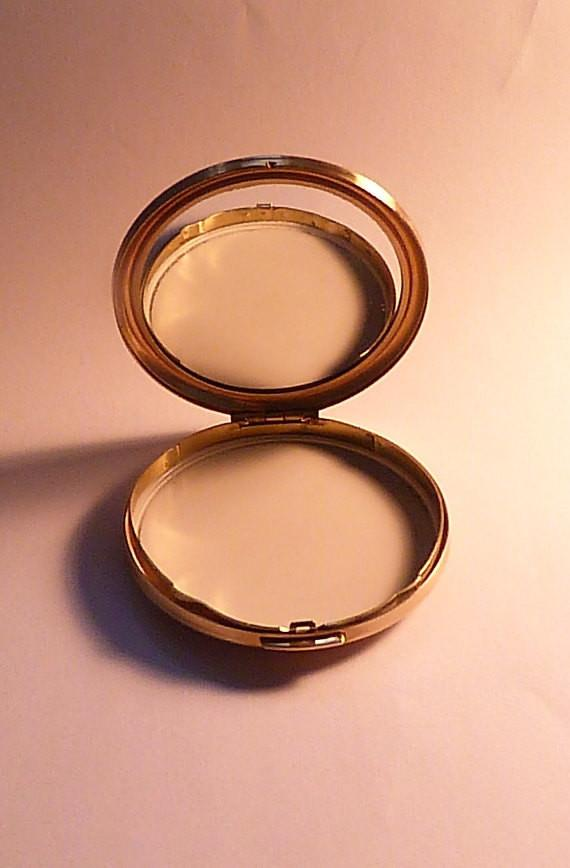 Vintage bridesmaids gifts Melissa powder compacts gifts for moms / mums - The Vintage Compact Shop