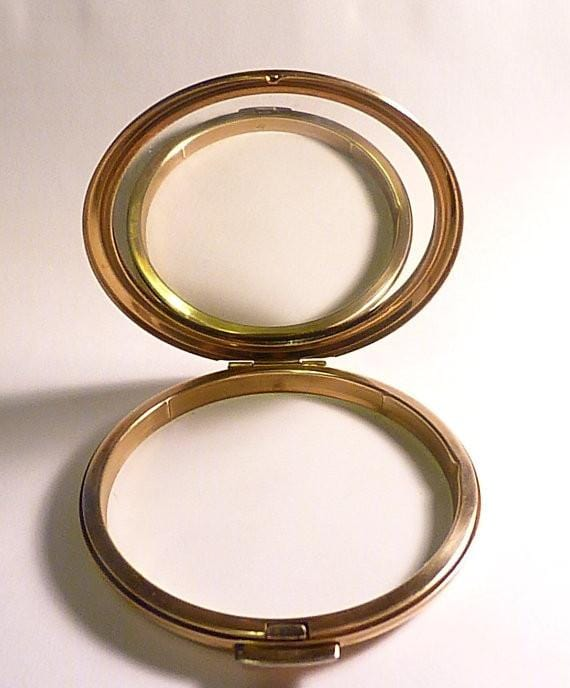 Vintage Stratton compacts gifts for sisters handbag mirrors pocket mirrors gilt - The Vintage Compact Shop