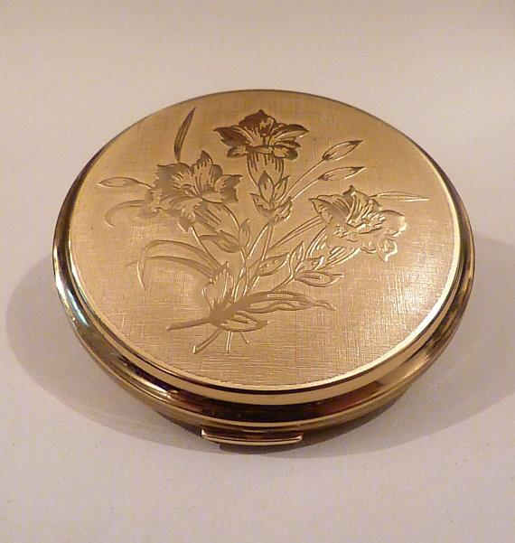 Unused vintage powder compacts Stratton compact mirrors 1970s Convertible powder mirror compact - The Vintage Compact Shop