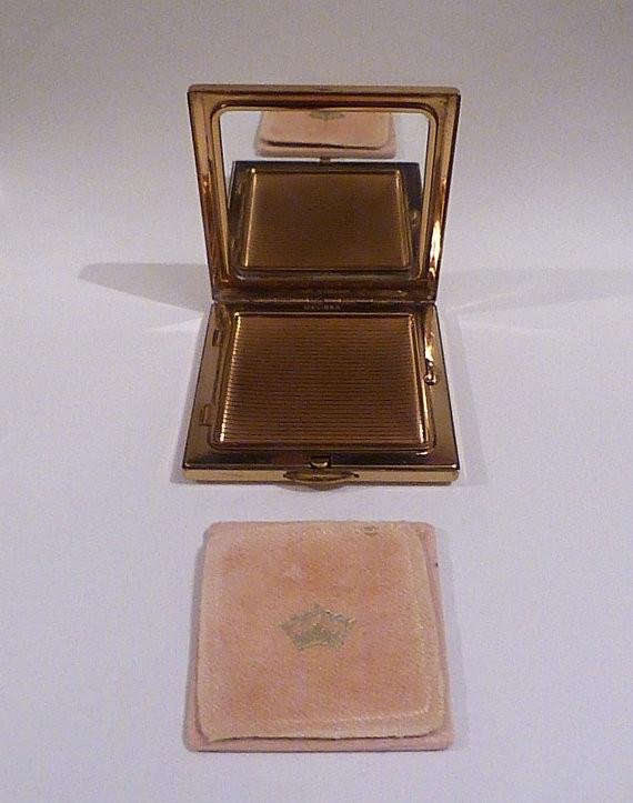Vintage 1950s Melissa compact mirror powder compact bridesmaids gift pocket mirror purse mirror - The Vintage Compact Shop