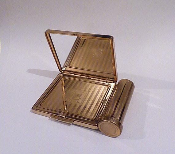 Vintage lipstick holders Stratton powder compact 1950s compact mirrors LIPSTICK COMPACT - The Vintage Compact Shop