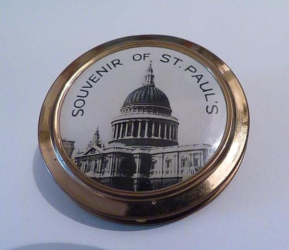 Vintage compact mirrors St Paul's Cathedral souvenir powder compact vintage London souvenirs 1950s UNUSED - The Vintage Compact Shop
