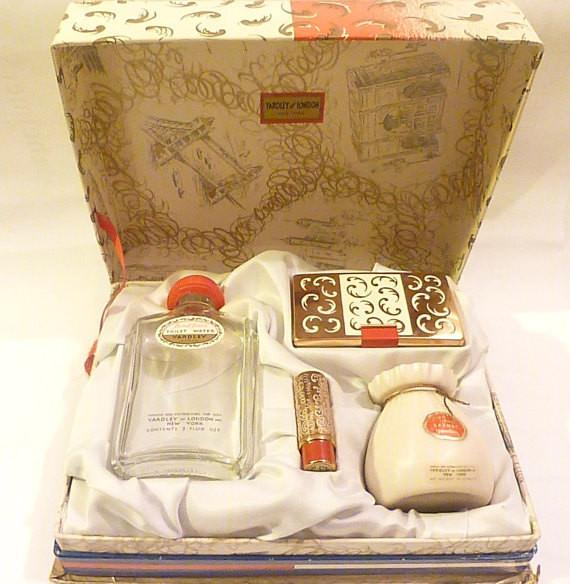 Rare unused vintage Yardley vanity set - The Vintage Compact Shop