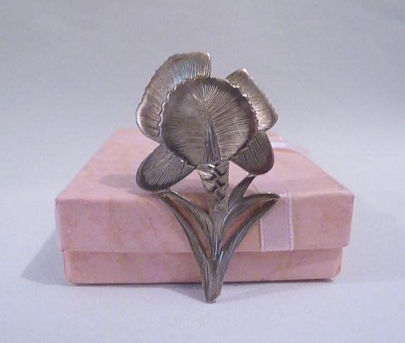 Continental sterling silver flower brooch