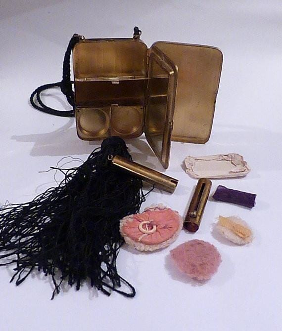 Authentic 'flapper' gifts roaring twenties minaudière necessaire vanity cases 1920s - The Vintage Compact Shop