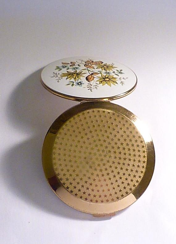 Birthday gifts for her Stratton compacts enamel compact mirrors vintage compacts 1960s film props - The Vintage Compact Shop