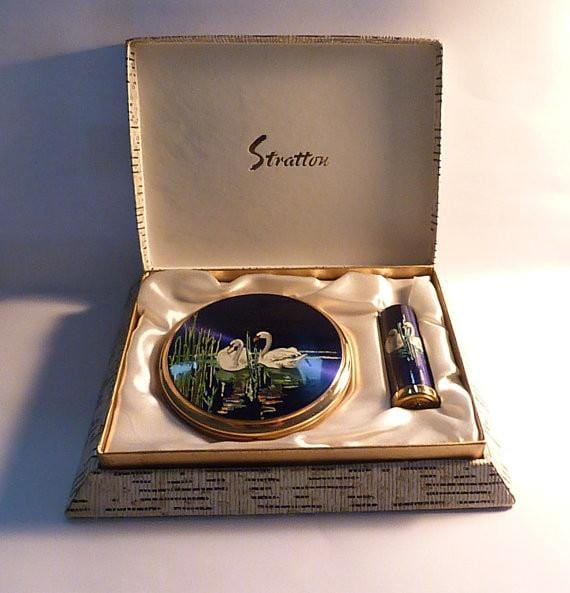 Unused Stratton compact and lipstick holder set bird series SWANS something blue gifts 1950s - The Vintage Compact Shop