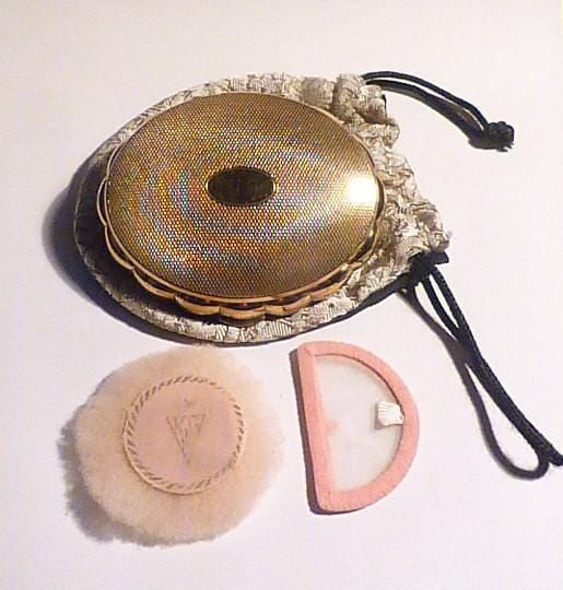Kigu musical compacts Kigu Minuette musical powder box vintage bridesmaids gifts - The Vintage Compact Shop