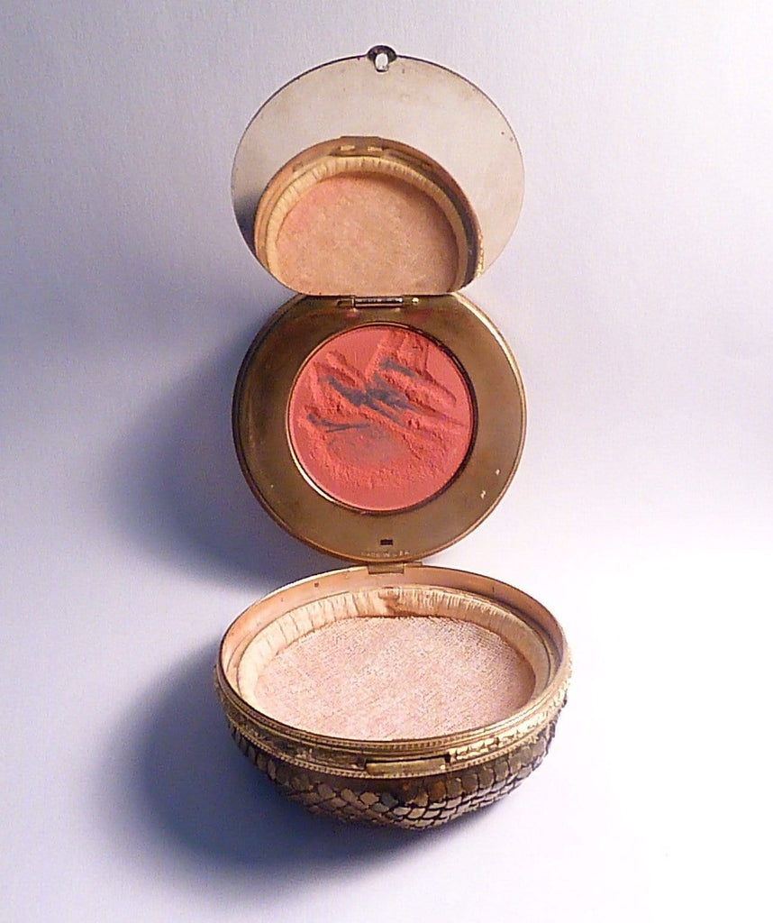 Antique mesh bottom compact Evans compact mirrors faux guilloche rouge 1930s - The Vintage Compact Shop