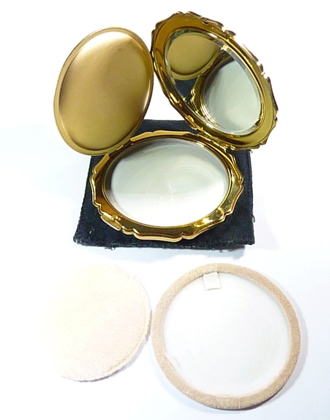 powder compact case with mirror