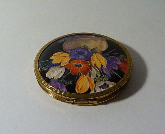 rare unused vintage powder compacts