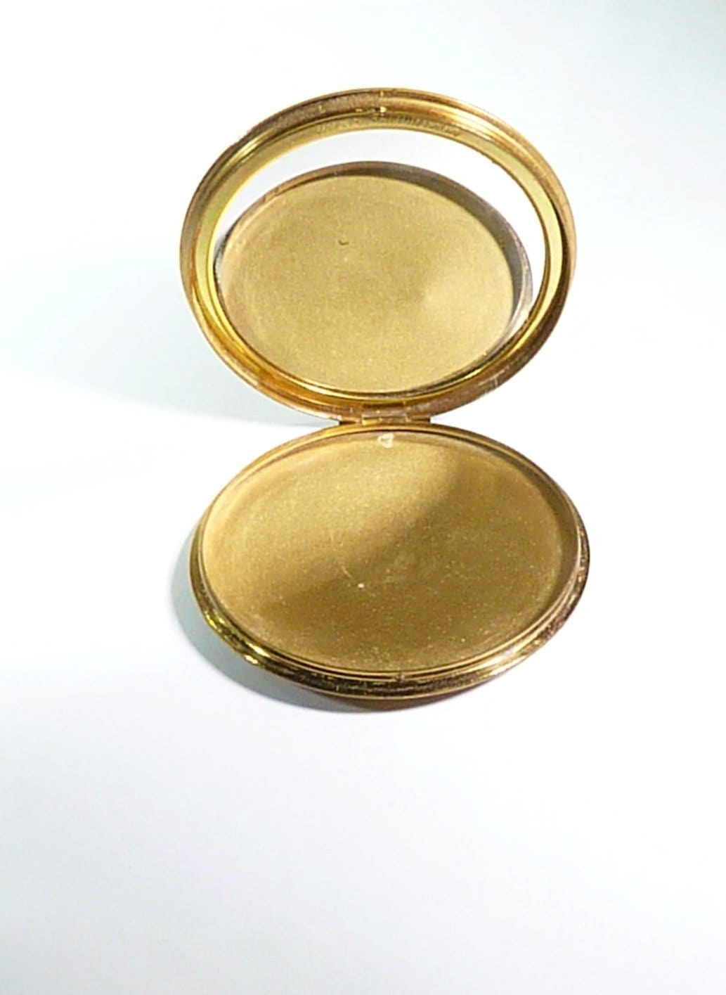 Rare Stratton Powder Compact 1948 Stratton Scone Without Inner Lid Georgian Courting Couple Book Piece