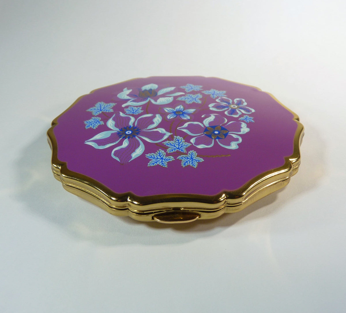 refillable vintage powder compacts