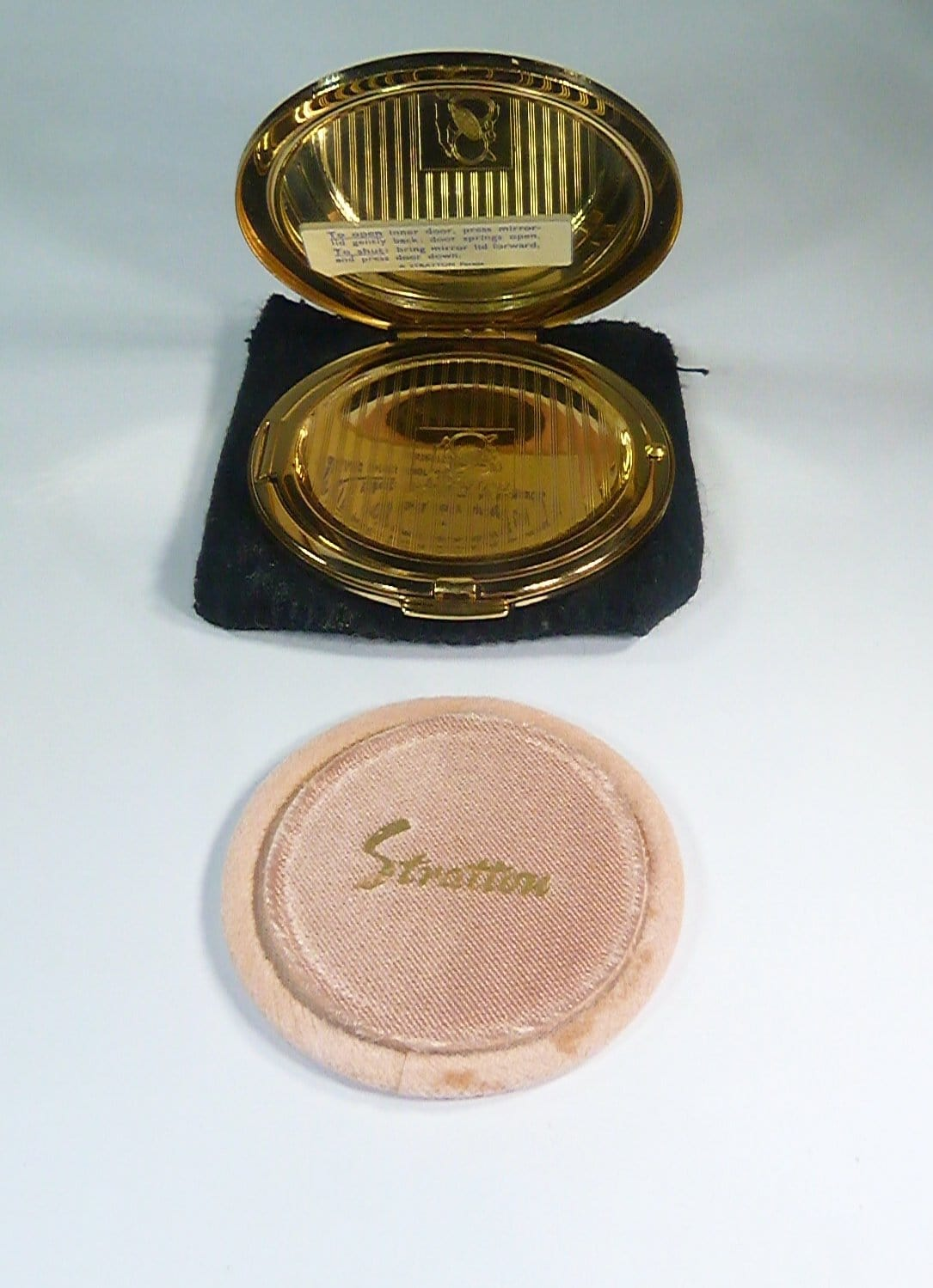 unused boxed 1950s powder compacts