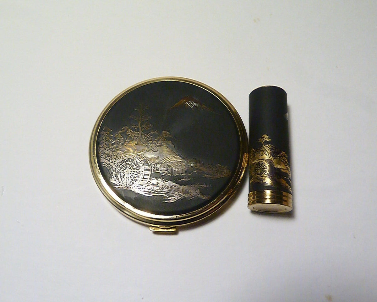 unused powder compacts