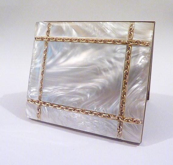 Vintage Lucite powder compact bridesmaids gifts - The Vintage Compact Shop