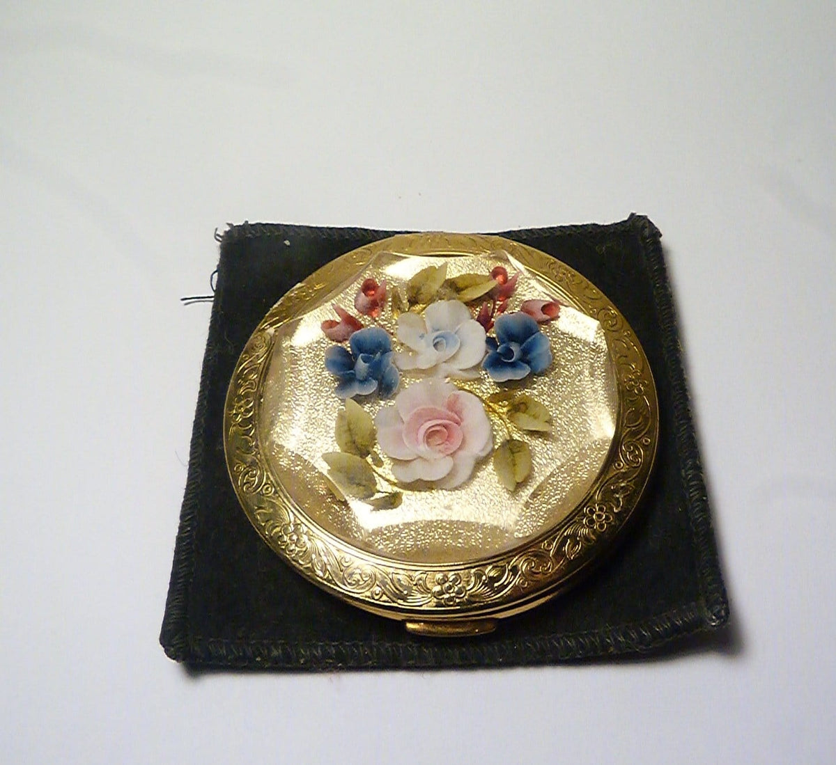 where do I find vintage powder compacts for sale