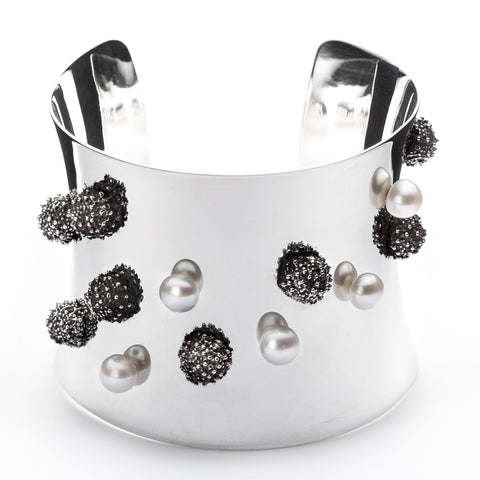 Océan forged sterling silver and pearl cuff bracelet